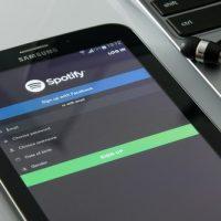 Musiikkipalvelun tilaaminen luottokortilla